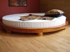 puidust-voodi
