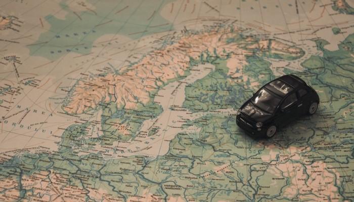 Autorenditeenus vs rong Euroopas reisimisel